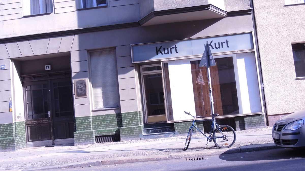 Kurt-Kurt im Geburtshaus von Tucholsky
