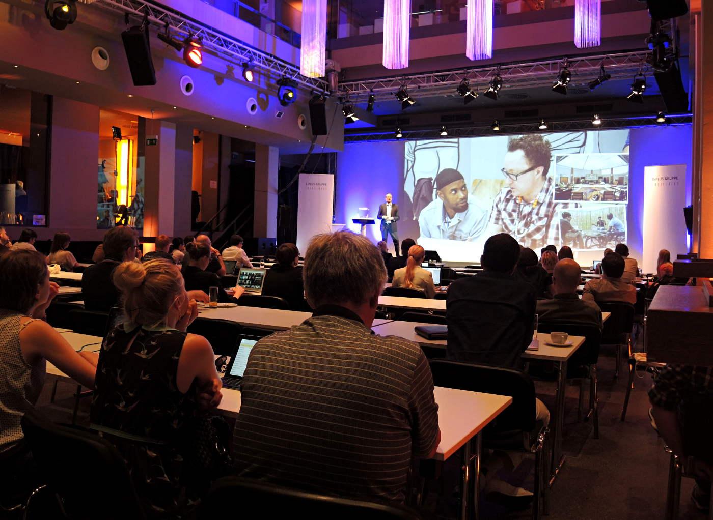 Robert Stulle, Edenspiekermann, beim Content Strategy Forum 2014